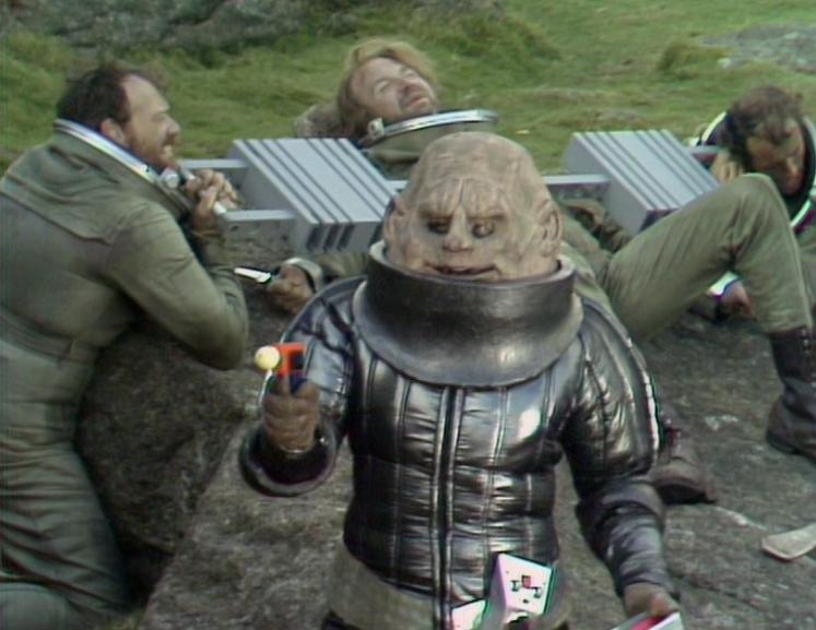 Sontaran_and_prisoners_TSE