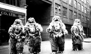 web_of_fear_yeti_doctor_who