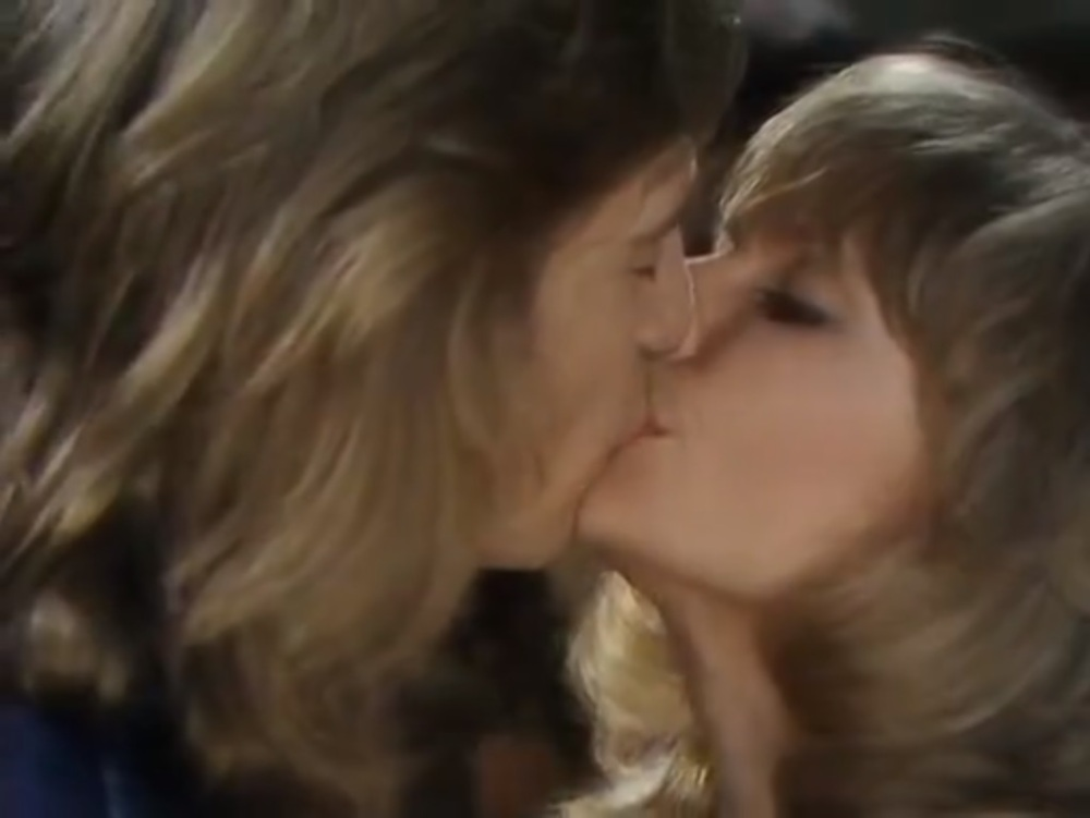 Jo_and_Cliff_Kiss